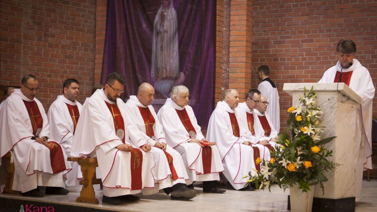 Великий Четверг – праздник священства