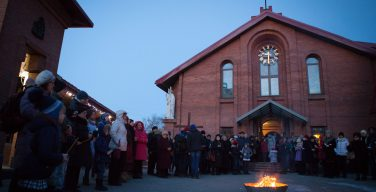 Празднование Навечерия Пасхи-2018 в Кафедральном соборе Преображения Господня в Новосибирске