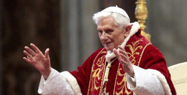 Папа на покое Бенедикт XVI отмечает свой 91-й день рождения