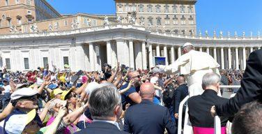 Папа Франциск напомнил паломникам из Болоньи и Чезены о всеобщем призвании к святости