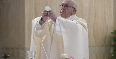 Папа Франциск на Мессе в Доме Св. Марфы говорил о здоровом и нездоровом любопытстве