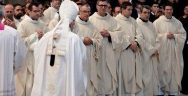 Папа Франциск призвал миссионеров милосердия не превращаться в «священников поставленных в вазу»
