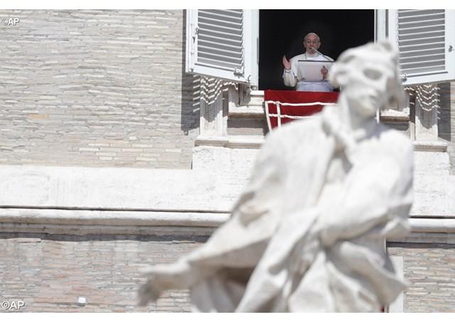 Слово Папы Франциска перед молитвой Regina Caeli в 5-е воскресенье Пасхального времени. 29 апреля 2018 г., площадь Св. Петра