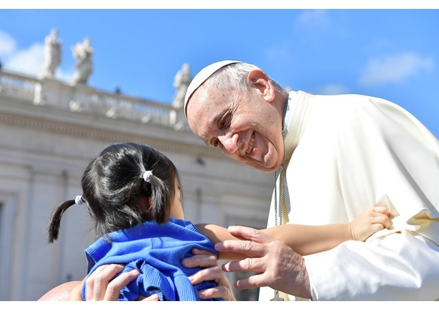 На общей аудиенции в среду 16 мая Папа Франциск завершил цикл своих катехез о Крещении