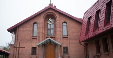 Торжество Пресвятой Троицы в Кафедральном соборе Новосибирска (+ФОТО)