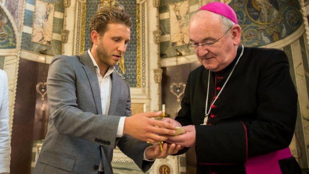 Найденная среди мусора частица мощей св. Климента I передана на хранение в Вестминстерский собор