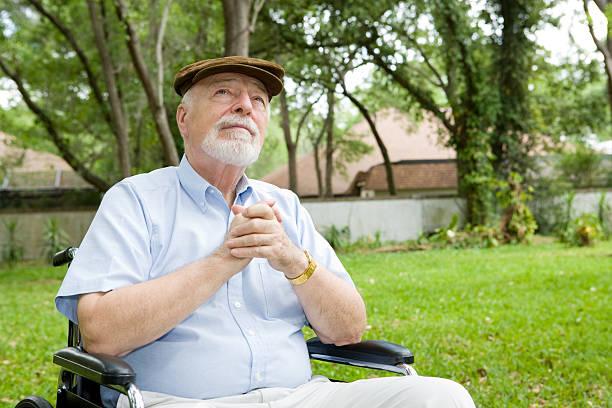 Инвалиды могут вести полноценную церковную жизнь, не выходя из собственной квартиры, считает митрополит Иларион