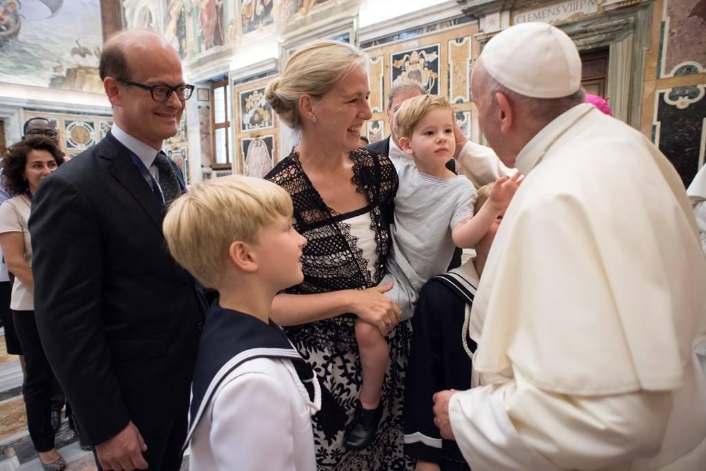 Папа: глобальная биоэтика противостоит «грязной работе смерти»