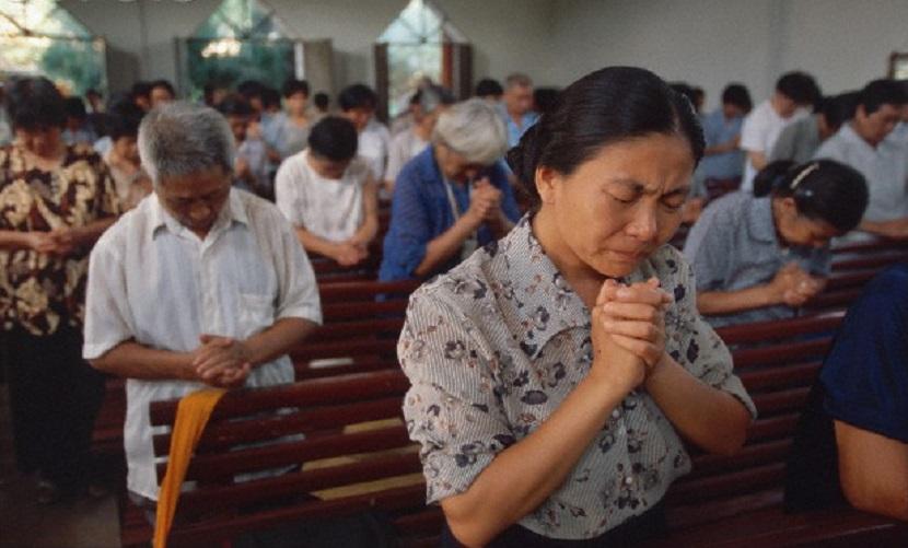 Руководство школ Китая угрожает наказывать учеников за посещение церквей