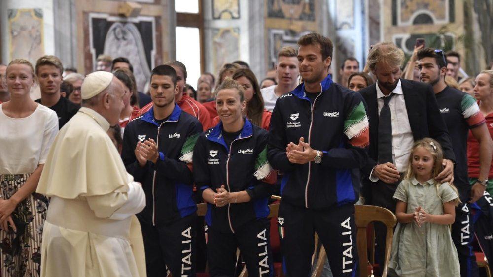 Папа: язык спорта универсален