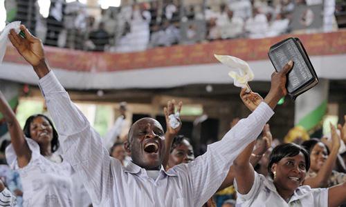 «Guardian»: Грузия и Гана – единственные в мире страны, где молодежь религиознее старших