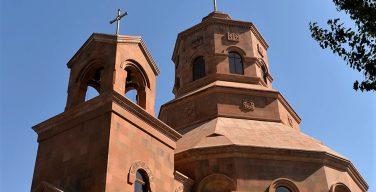 В Москве рукоположен первый за многие десятилетия католический священник армянского обряда