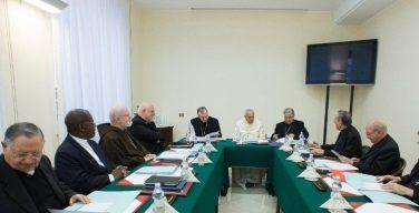 Папа Франциск принимает участие в очередном заседании Совета кардиналов