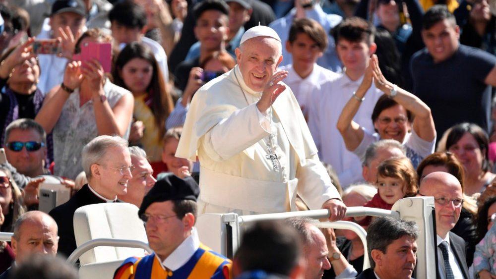 Папа: христиане должны принимать Божьи заповеди как сыновья, а не как рабы