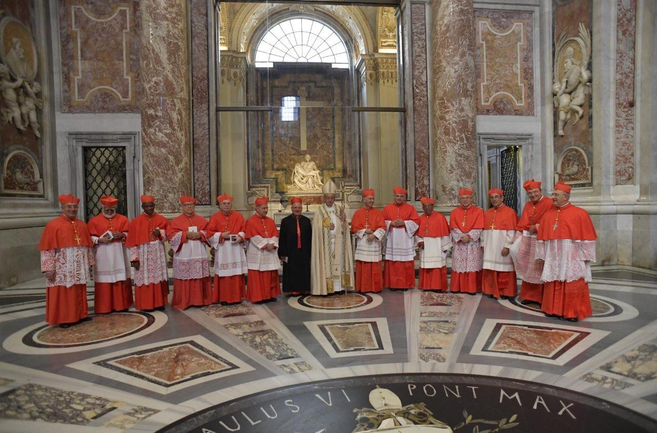 Папа Франциск возвел в кардинальское достоинство 14 иерархов Католической Церкви (+ФОТО)