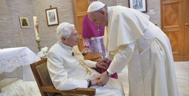 Папа Франциск и новые кардиналы посетили Бенедикта XVI (+ ФОТО)