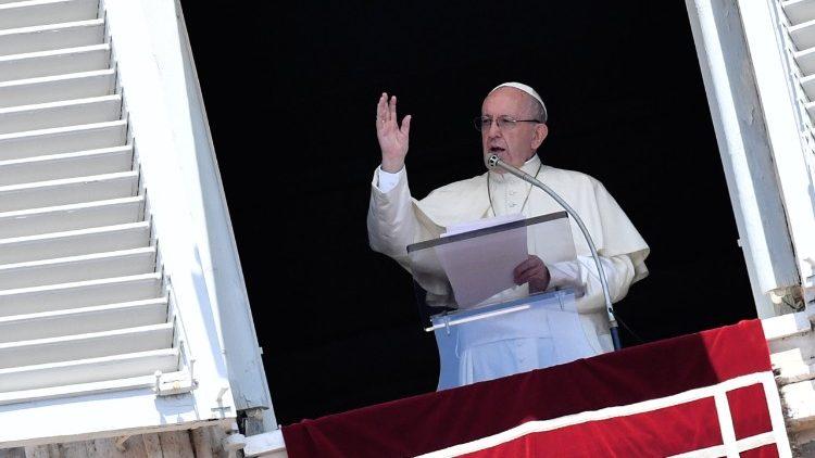 Слово Папы Франциска перед молитвой «Ангел Господень» в 15-е Рядовое воскресенье. 15 июля 2018 г., площадь Св. Петра