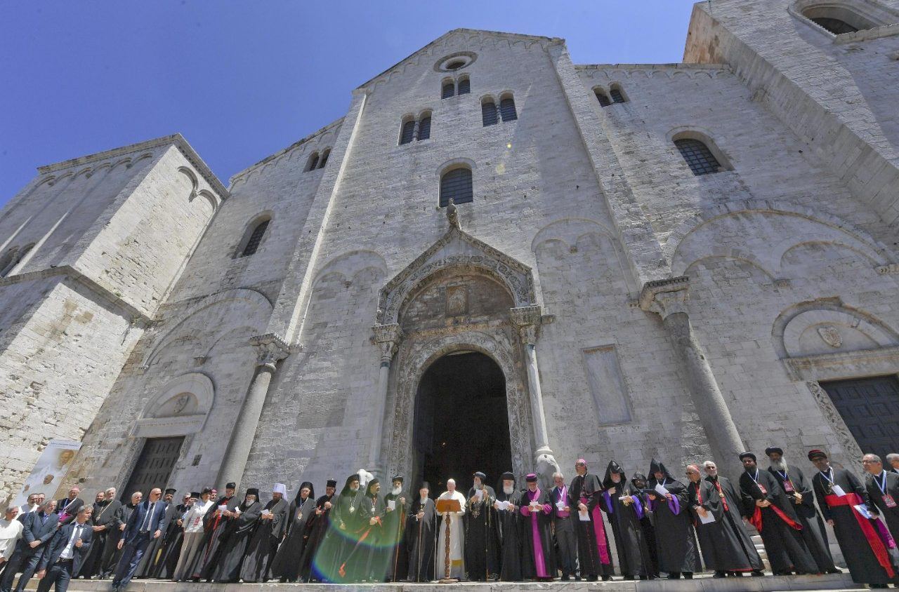 Папа Франциск в Бари: на Ближнем Востоке альтернативы миру не существует