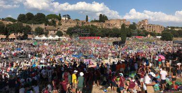 Папа Франциск встретился с 70 тысячами итальянских юношей и девушек (+ ФОТО)