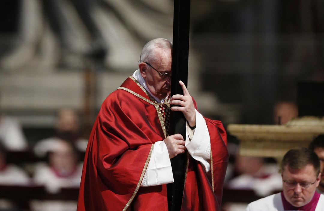 Атака против Папы Франциска: кто пытается свергнуть понтифика? (Обзор католических СМИ)