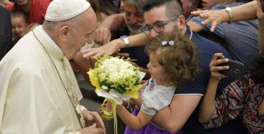 Папа Франциск: чтобы любить, нужно быть свободными от идолов