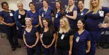 Беби-бум в США: 16 медсестер из одного отделения аризонской больницы «одновременно» забеременели