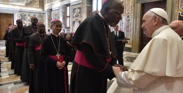 Папа — епископам: Церковь нуждается в единстве, а не в солистах (ФОТО + ВИДЕО)