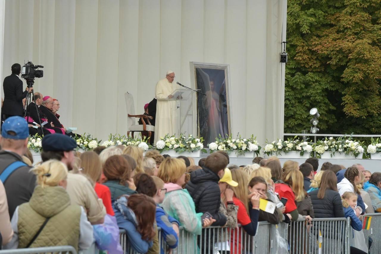 Папа – молодёжи: Иисус будет всегда на перекрёстке ваших дорог (ВИДЕО + ФОТО)