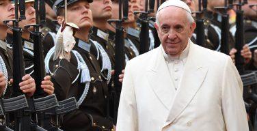 СМИ: Папа Римский призвал латышей не поддаваться обидам прошлого