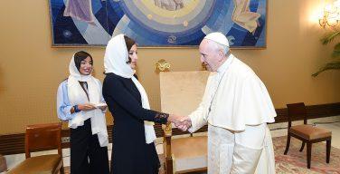 Папа Франциск принял на аудиенции Мехрибан Алиеву (+ ФОТО)