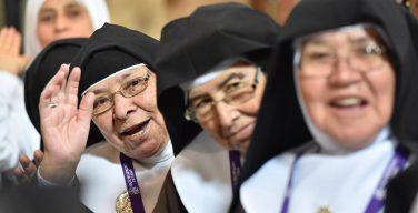 Папа – бенедиктинкам: будьте гостеприимны и милосердны (+ ФОТО)