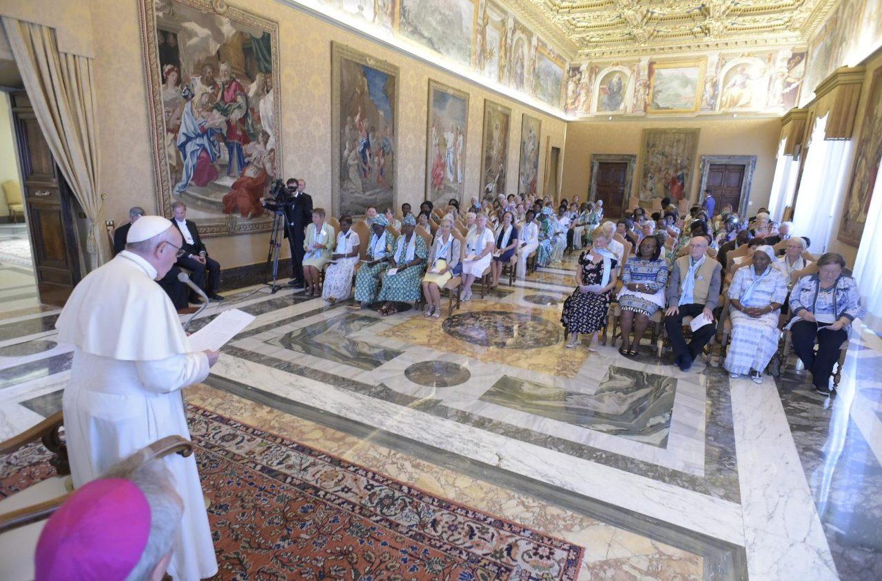 Папа Франциск встретился с богопосвящёнными вдовами (+ ФОТО)