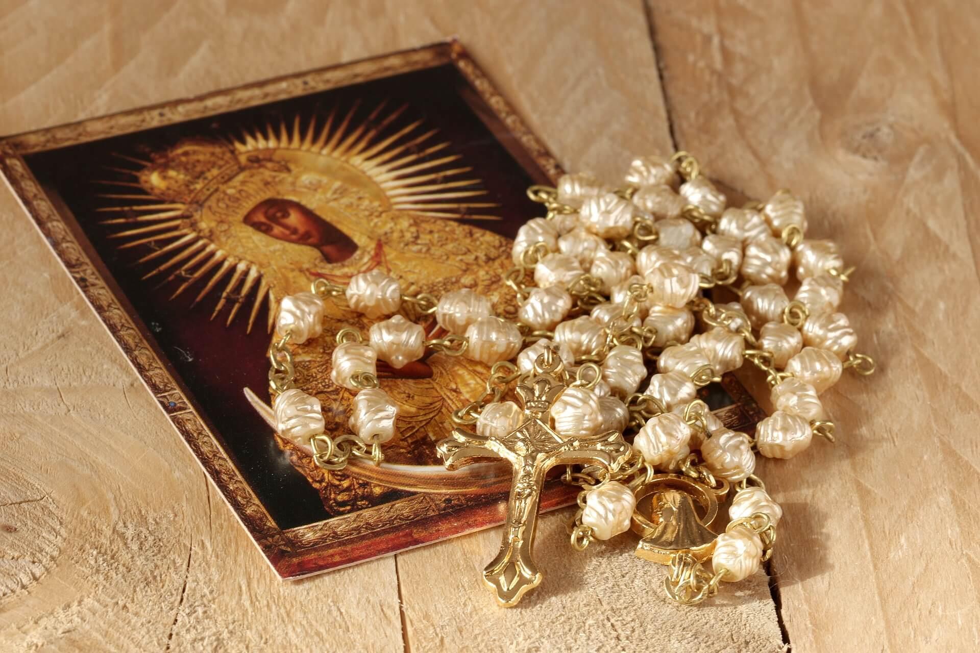Святейший Отец призывает молиться о защите для Церкви