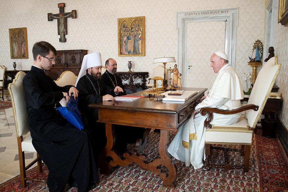 В Ватикане прошла встреча Папы Римского и митрополита Илариона