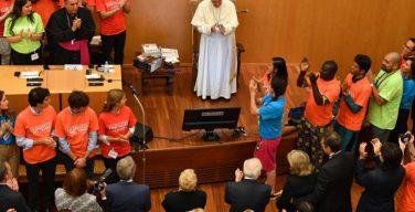 Папа Франциск встретился с молодежью и пожилыми людьми