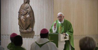 Папа Франциск на Мессе в Доме Св. Марфы размышлял о двух столпах христианской жизни: созерцании и служении