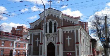 Апостольский нунций в РФ Челестино Мильоре посетит Пермь по случаю юбилея католического прихода
