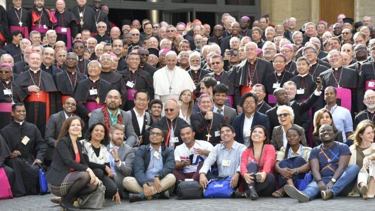 В Ватикане увидел свет Итоговый документ XV Генеральной ассамблеи Синода епископов