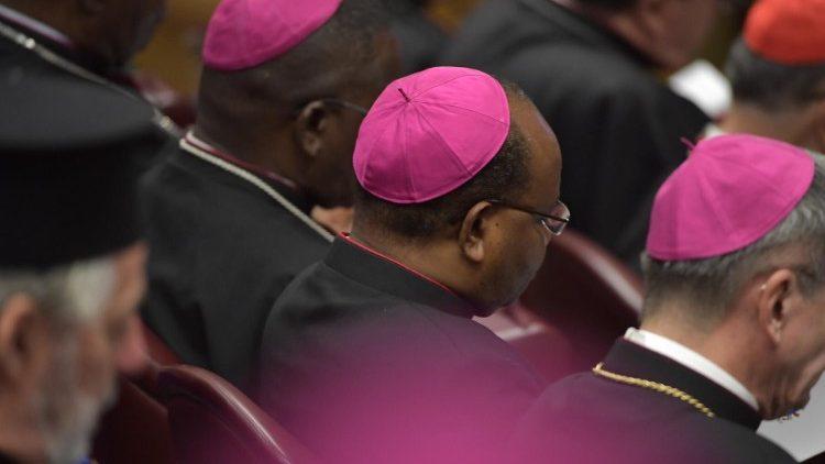 На Синоде епископов сформирован состав редакционной комиссии