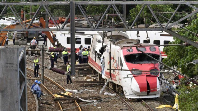 Папа Франциск выразил свои соболезнования в связи с масштабной железнодорожной аварией на Тайване