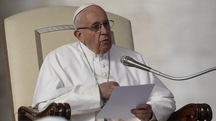 На общей аудиенции 21 ноября Папа Франциск размышлял о заповеди «Не пожелай…» в свете духовной нищеты и сознания собственной греховности