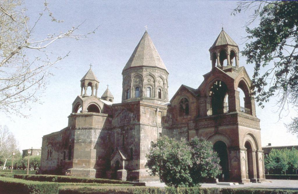 Армянская Церковь выступила против проведения в Ереване «форума ЛГБТ-христиан»