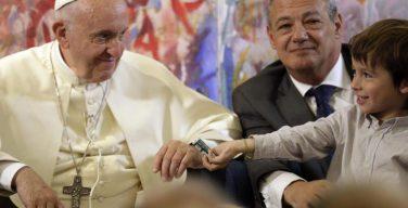 Обнародована тема послания Папы Франциска на ближайший Всемирный день мира