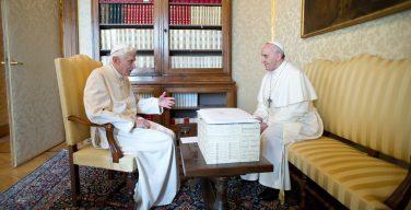 Папа Франциск и Папа на покое Бенедикт XVI обратились к правозащитникам по случаю 70-летия Всеобщей декларации прав человека
