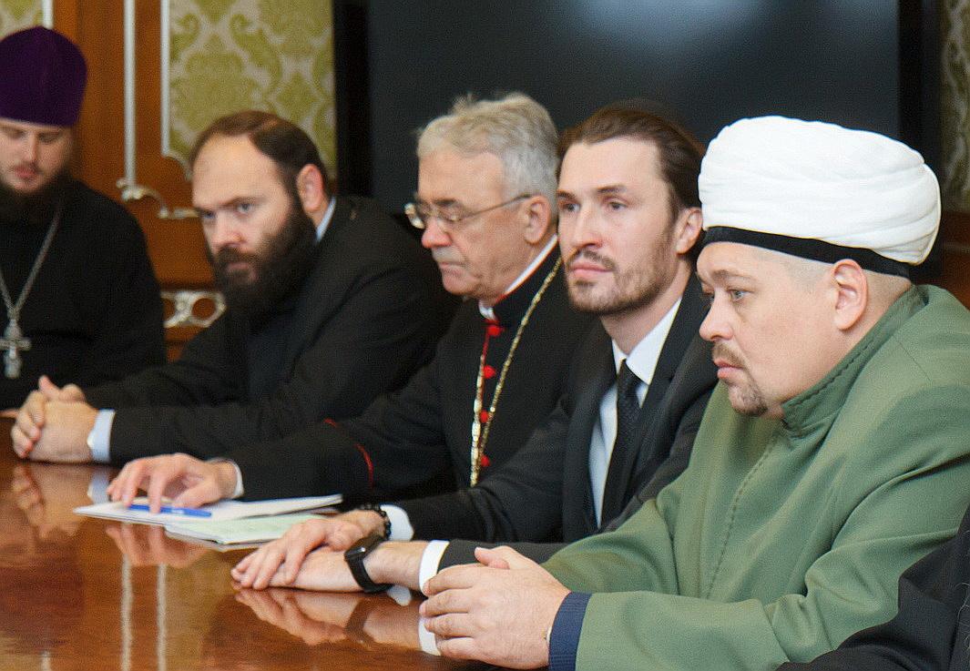 Владыка Иосиф Верт принял участие во встрече религиозных лидеров региона с губернатором Новосибирской области