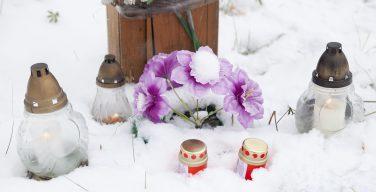 Вечный покой даруй им, Господи… День поминовения всех усопших верных в Новосибирске (ФОТО)