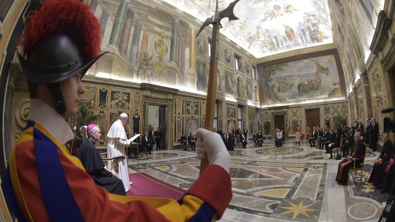Папа встретился с новыми послами при Святейшем Престоле