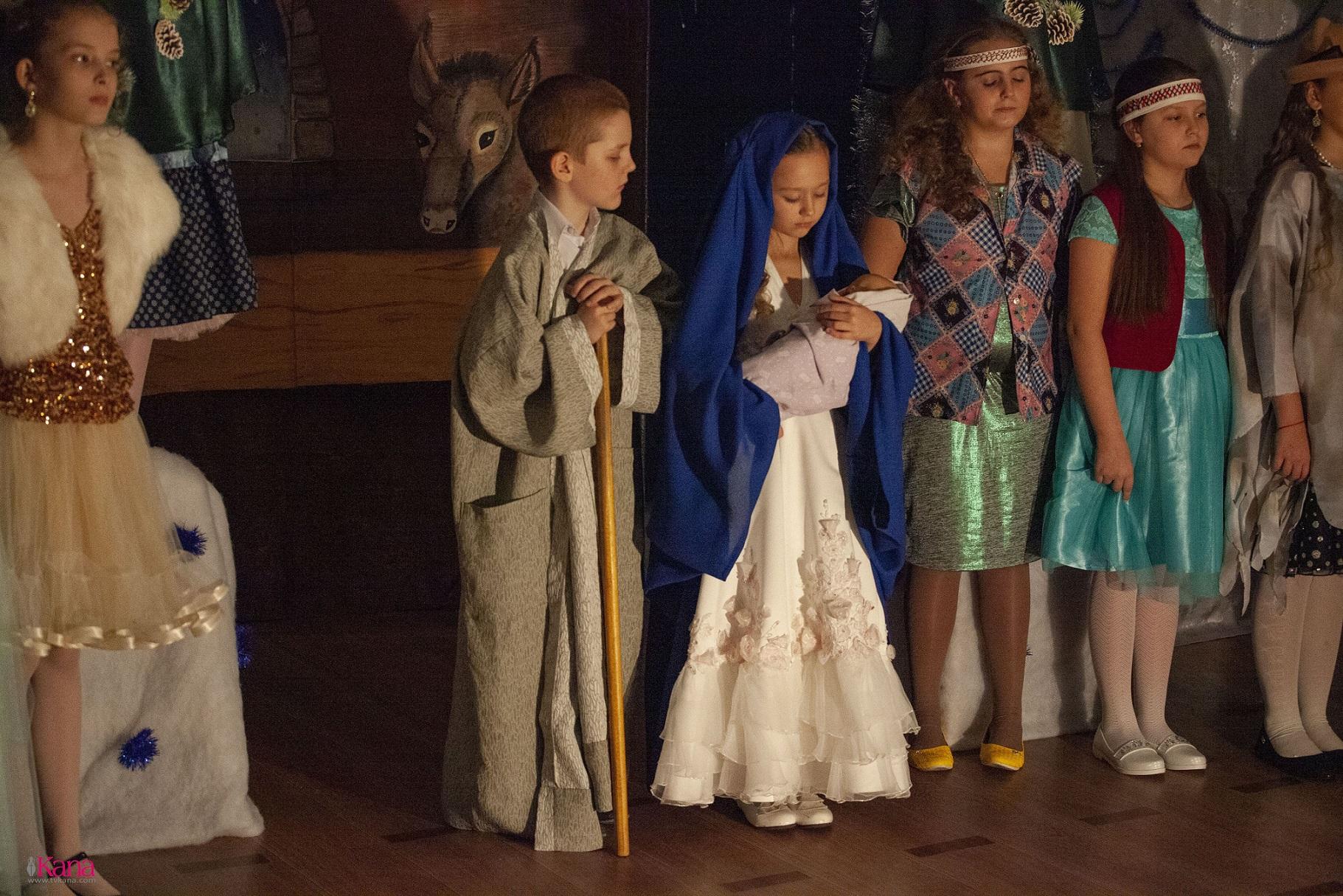 В Католической школе Новосибирска отпраздновали Рождество (+ ФОТО)