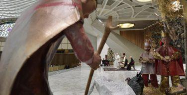 Папа поздравил сотрудников Ватикана с Рождеством (ФОТО + ВИДЕО)
