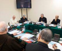 Совет кардиналов продолжил работу в сокращенном составе